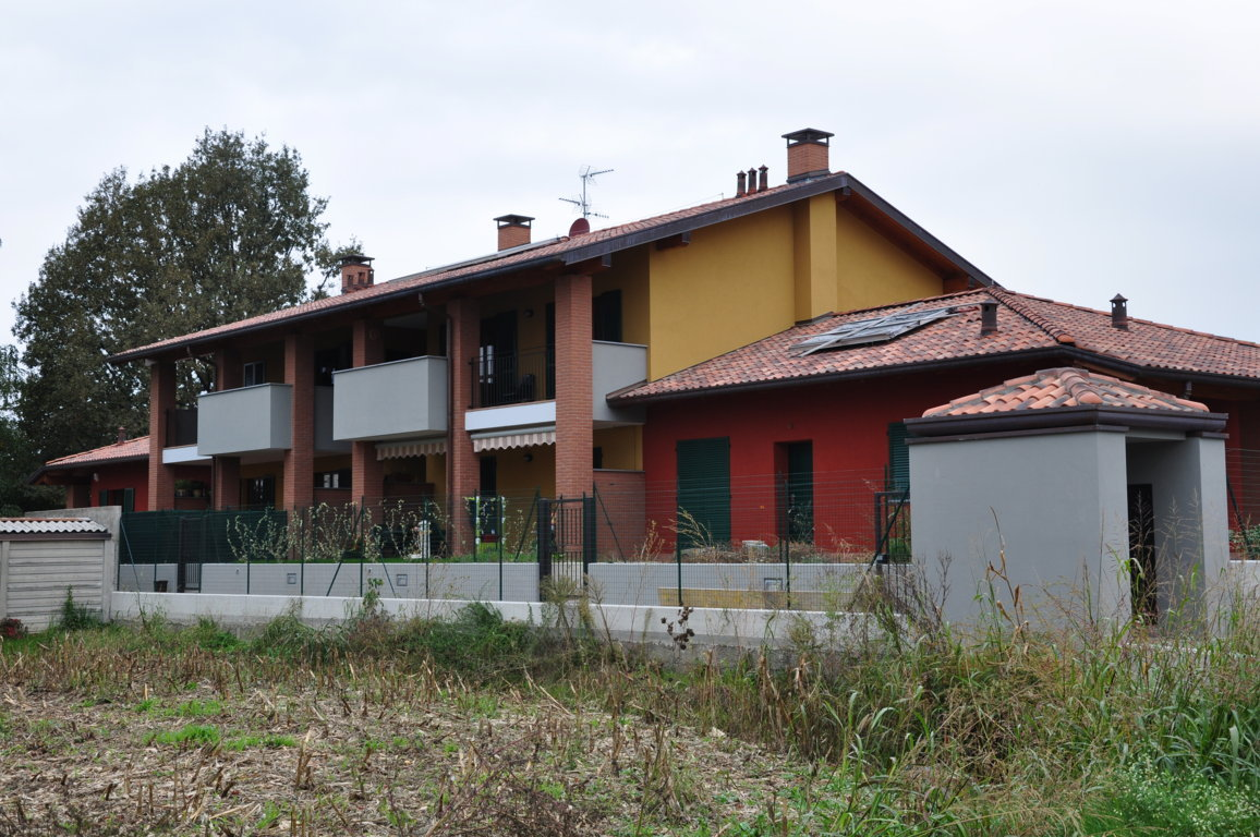 Edificio in Lomazzo (CO)