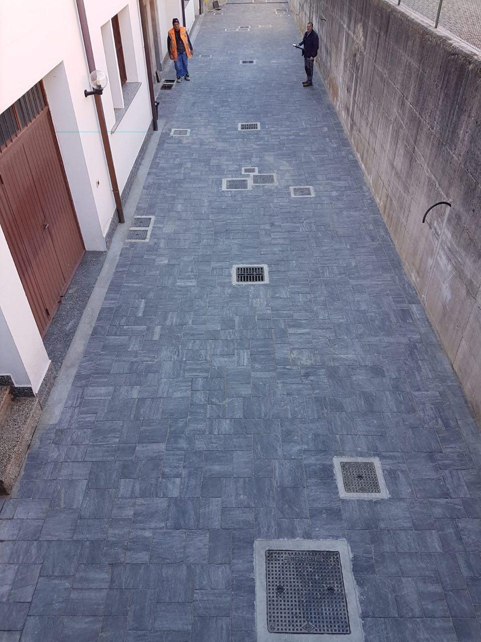 Formazione pavimentazione esterna in Bregnano (CO)